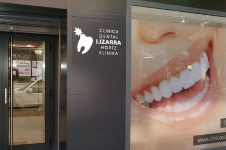 CLINICA DENTAL LIZARRA